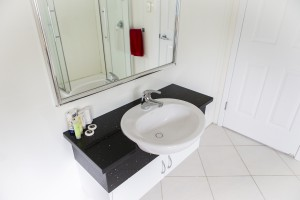Modern and Light Bathroom